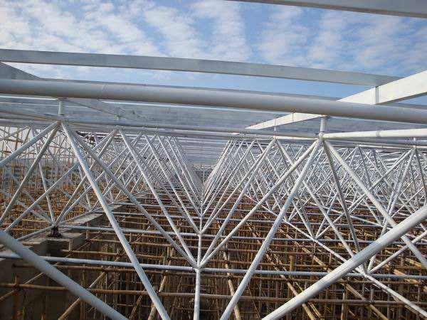 大跨度钢结构的施工要点简述