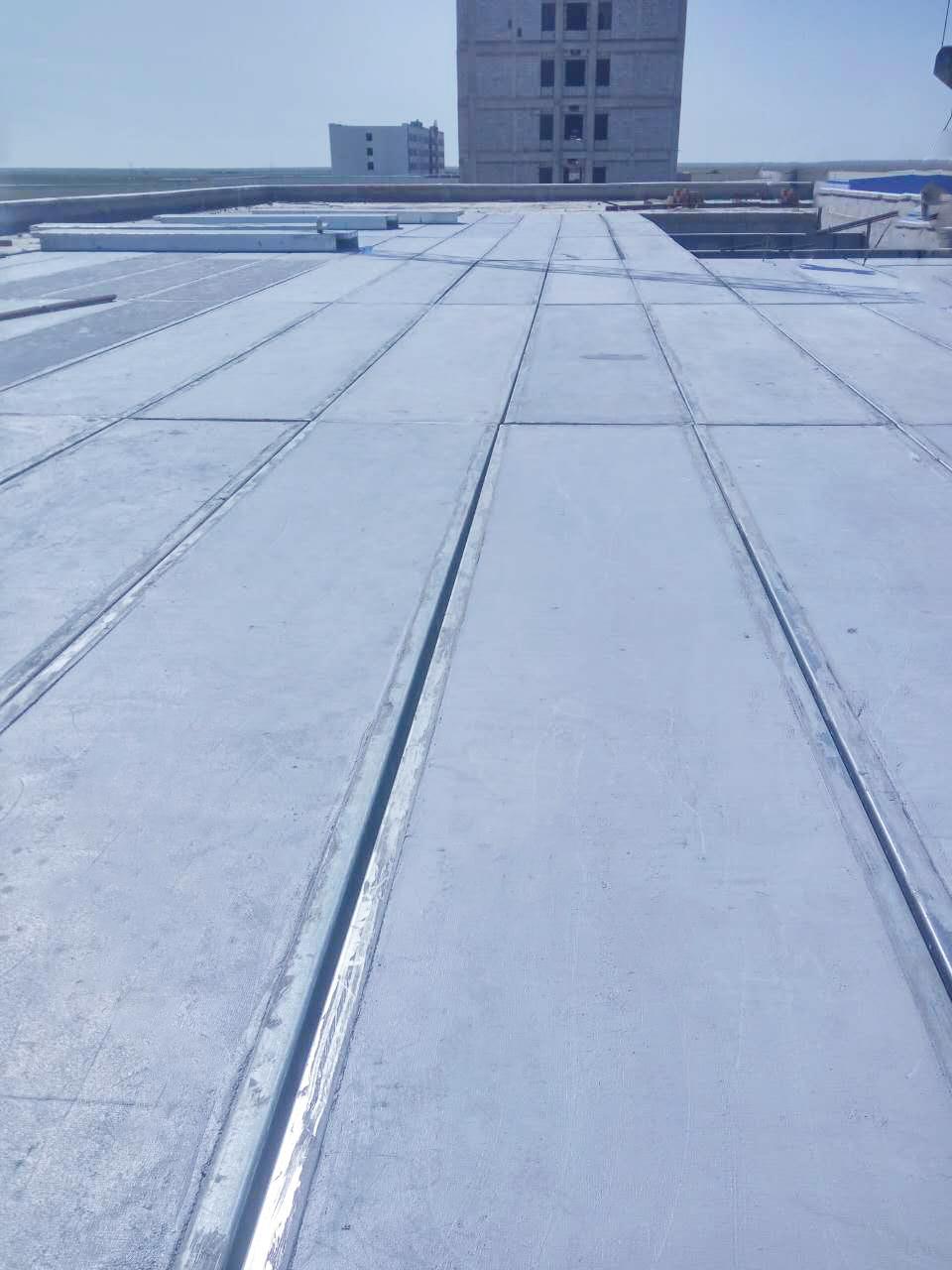 鋼骨架輕質屋面板