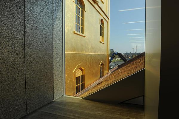 建築保溫應該用鋼骨架輕型板取代聚氨酯